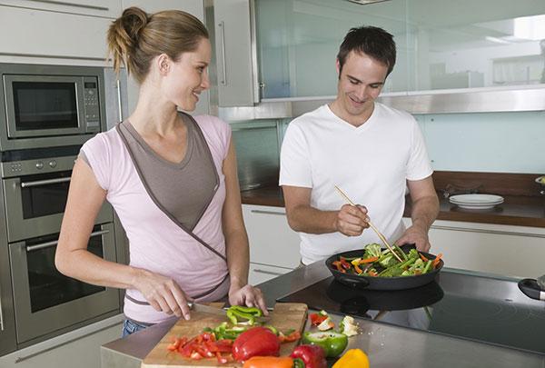 sửa bếp từ electrolux giá rẻ
